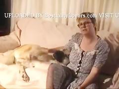 Ama de casa desesperada por hacer zoofilia