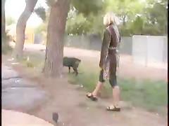 Madurita necesita perro que la haga gozar