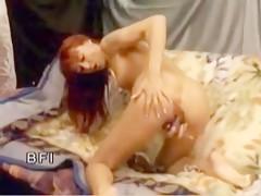 Madurita penetrada anal por sus perros