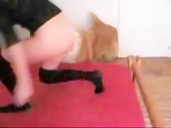 Japonesa sumisa comiendose un zipote