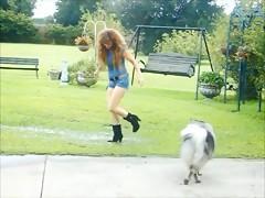 Mansita disfrutando la follada del perro